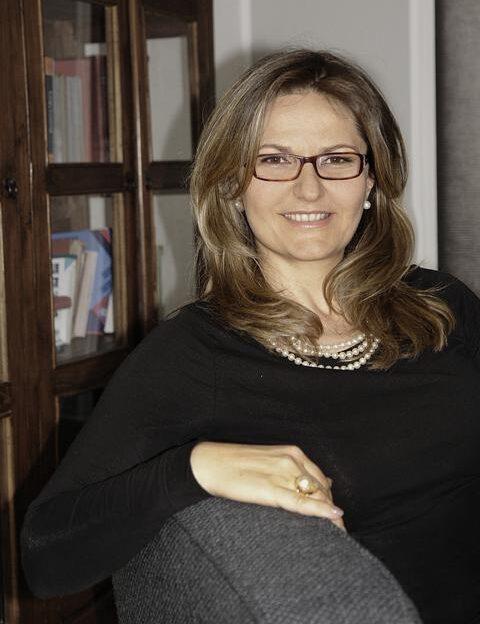 Dr. Majda Happ